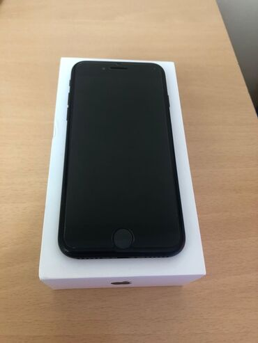 Mobilni telefoni i aksesoari - Kovacica: Polovni iPhone 7 32 GB Crn
