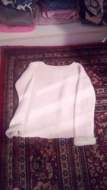 Beli džemper za devojcice. Sve stvari su potpuno nove