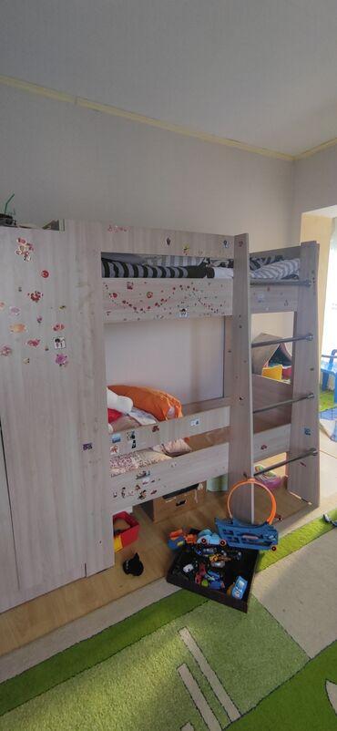 13326 объявлений: Двухъярустный кровать, со шкафом. Б. У. Качество отличное.160см-75см