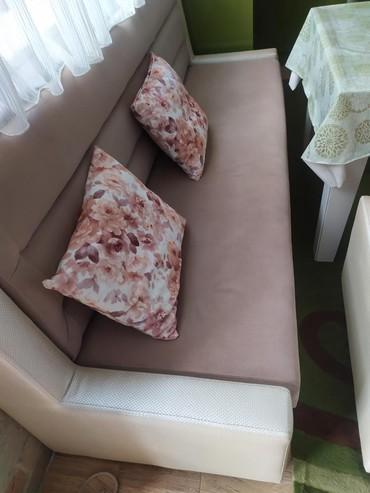 2 kuxna divani satilir.ikisi bir yerde 270 azn 220/70-.180 AZN  150/70