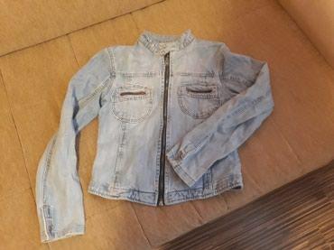 Zenska,teksas,kratka jaknica...svetlo plava...m velicina...samo 299 - Pozarevac