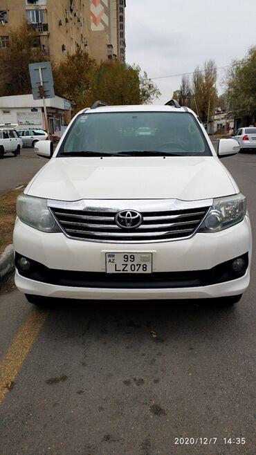 Masin ucun monitor - Azərbaycan: Toyota Fortuner 2.7 l. 2011 | 185000 km