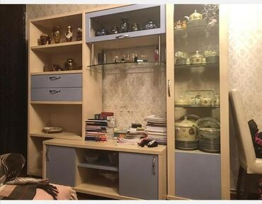 Qonaq otağı mebeli hem de salon üçün vitrin Sumqayıt. Türkiyənin