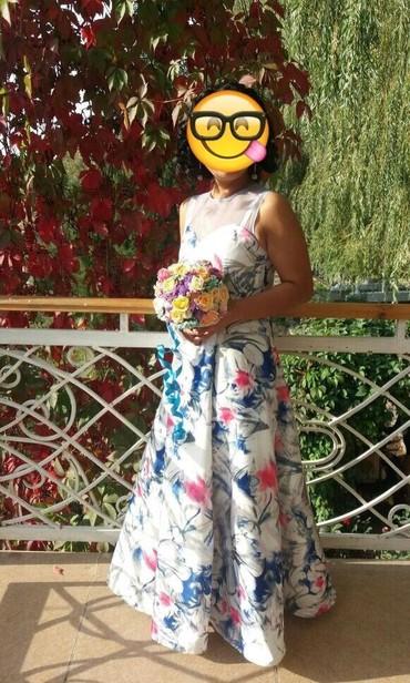 вечернее платье на выпускной в Кыргызстан: Продаю вечернее платье от MIA, нежное, длинное, богатое, покрытая в
