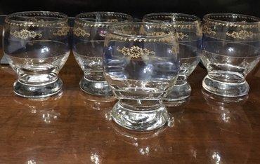 В комплекте набора пять  бокалов. Красивые, украсят любой праздничный  в Бишкек