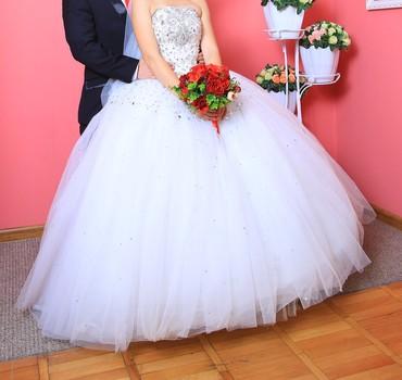 платья корсеты в Кыргызстан: Продается свадебное платье размер 32 -38 xs -s корсет сзади