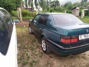 Volkswagen Vento 1.8 л. 1996   8888 км