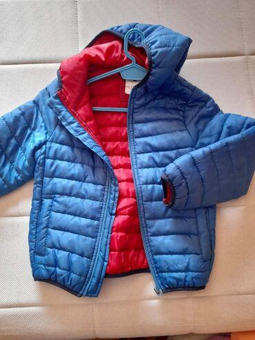 Decija jakna, za prelazni period, vel 5/6,potpuno ocuvana, bez