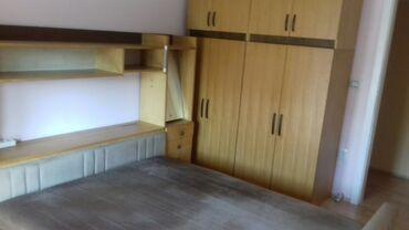 Vitlo - Srbija: Spavaća soba (krevet, vitrina, orman)krevet nije oštećen, niti