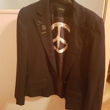 Sako crne boje - Srbija: Zenski sako, crna boja sa tankim belim linijama, marke Nicolas, kao