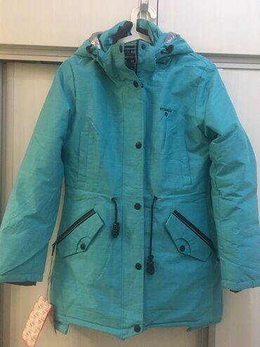 удлиненную кофту в Кыргызстан: Новый лыжный костюм. Удлинённая куртка размера L, штаны ХL. Размер не