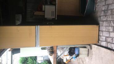 Продаю комплект мебели для кухни: Колонка из двух частей,шкафчик