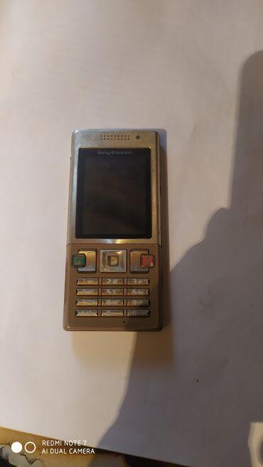 Ericsson - Azərbaycan: Sony Ericsson T 700 telefon iwley veziyetdedi hal hazırda işlədirəm pr
