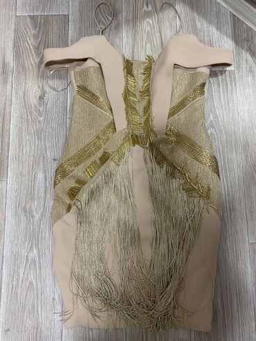 вечерне коктейльное платье в Кыргызстан: Продаётся вечернее коктейльное платье. Надето один раз на торжество. Р