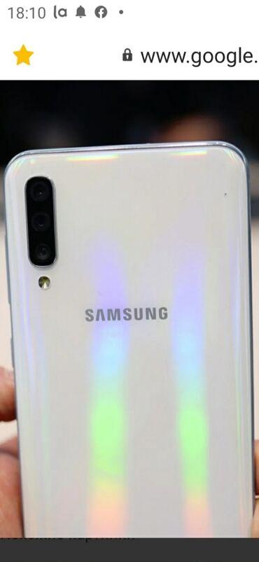 shellak s dizajn manikjurom в Кыргызстан: Б/у Samsung A50 128 ГБ Белый