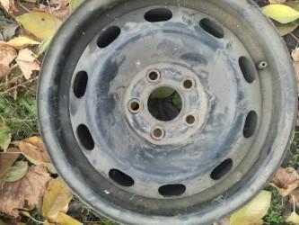 радиатор опель виваро в Кыргызстан: Резина по 500сомДиски по 500сом от вольксвагена 14Запаска 1000сом от