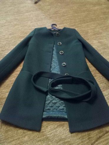 Пальто носила пару раз продаю за 3000,кочество отличное в Бишкек