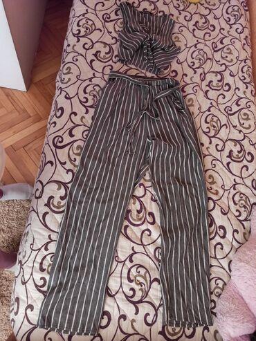 Dečija odeća i obuća - Vranje: Prelep kompletić, u odličnom stanju, jednom nošenVelicina univerzalna