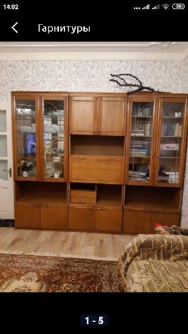 полки для одежды в Кыргызстан: Бишкек, мкр Тунгуч. Стенка горка, состояние хорошее, одна сторона под