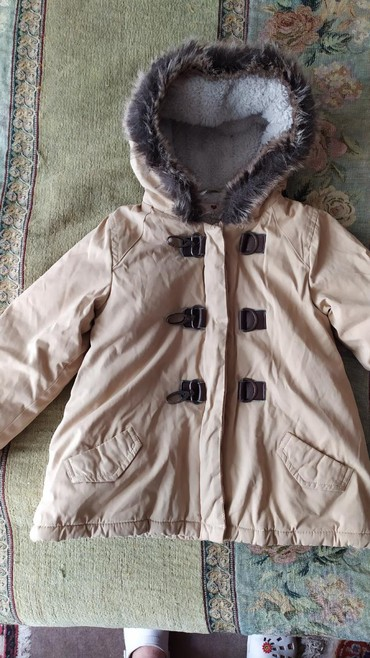 Верхняя одежда в Кыргызстан: Куртки б/у на девочку 3-5 лет, мальчиковая одежда на 5-6 лет