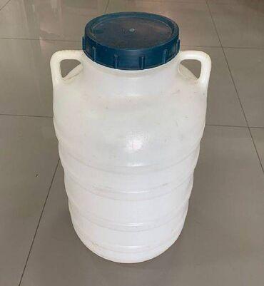 Бочонок для пищевых продуктов (например вместится 25 кг меда) - б/у