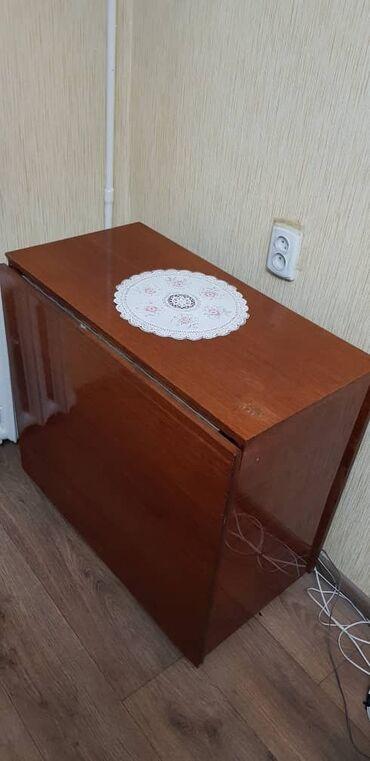 шредеры 11 12 на колесиках в Кыргызстан: Продаётся стол-книжкаВ хорошем состоянииРазмеры:Длина: 180 см.Ширина