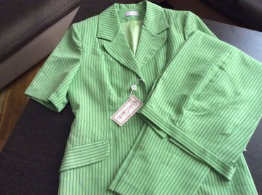 Продаю новые каттоновые костюмы брючные итальянского производства
