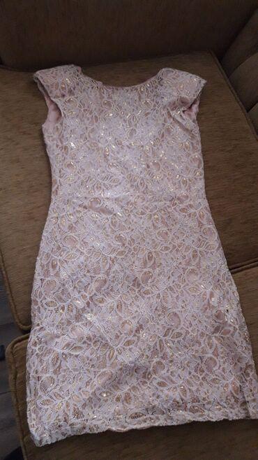 Prelepa haljinica zlatno zute boje