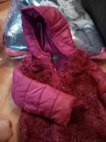 Dečije jakne i kaputi | Kula: Beneton jakna 4-5 vel