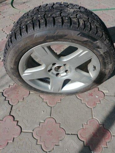 диски на авто в Кыргызстан: Зимняя шипованая резина pirelli 225/50/17 4штпрактически новая, цена
