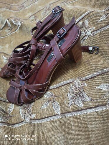 продам дом дешево срочно в Кыргызстан: Продам туфли дёшево размер 39-40,41