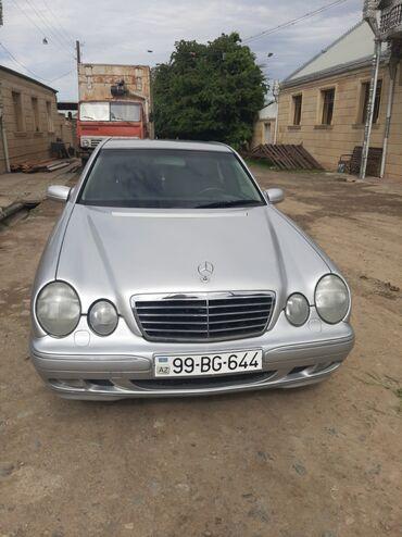 Mercedes-Benz E 240 2.4 l. 2000 | 240000 km
