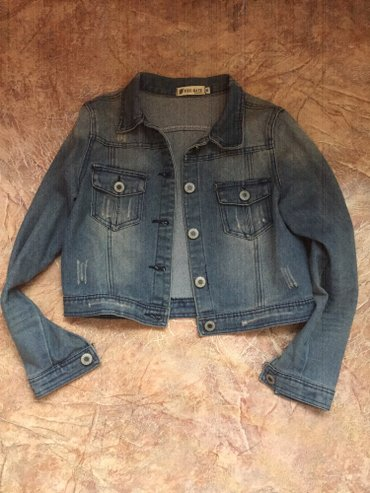джинсова курточка в Кыргызстан: Короткая джинсовая курточка! размер м! абсолютно новая