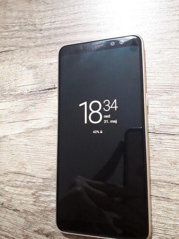 Laptop   Srbija: Samsung Galaxy A8 (2018)3 kamere (Napred dve i pozadi jedna)Opcija