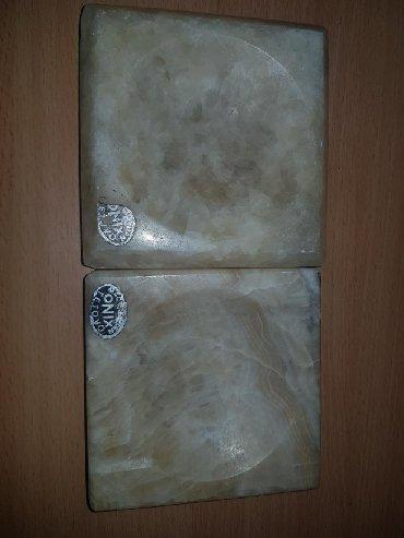 Svaka-stvar - Srbija: Onix pepeljare, svaka po 900 din., jedna je malo okrznuta sa donje