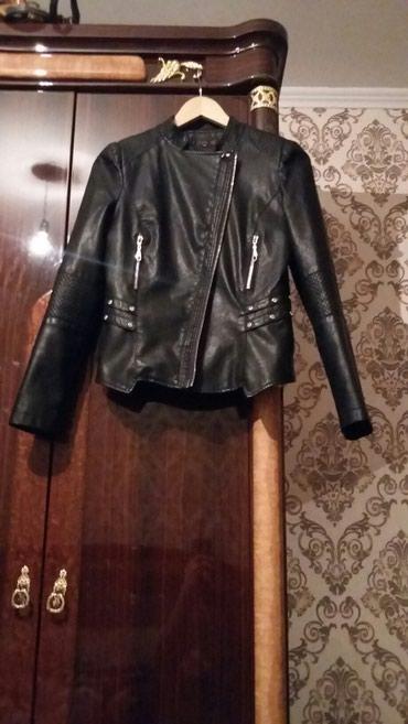 Куртки - Кок-Ой: Косуха пресованая кожа ! размер s m покупала дорого !