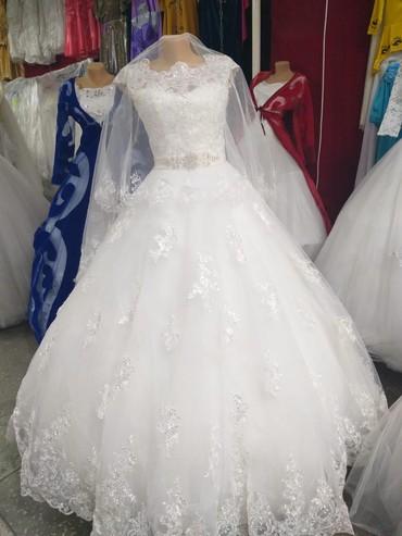 Свадебные платья - Тюп: Продаю свадебное платье срочно покупалось в Москве