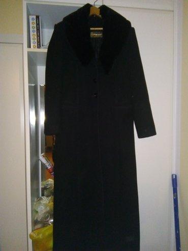 Zenski kaput,klasicni,vel. 42,vrlo malo nosen,punija čoja,krzno se - Nis