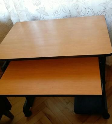 столик с ванночкой в Азербайджан: Компьютерный столик в хорошем состоянии