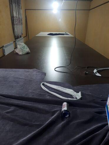 Стол в аренду - Кыргызстан: Сдаю кройный стол в аренду  Длина 8.25 Ширина 1.80 Без наймана