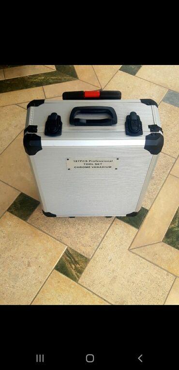 Инструменты в Кыргызстан: Набор инструментов. Профессиональный иинструменты в чемодане, комплект