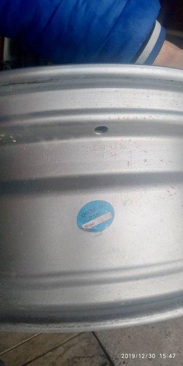 диски ауди r16 в Кыргызстан: Продаю диски R16 в идеальном состоянии 5/112. подходят гольф5. гольф