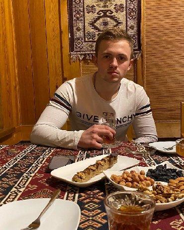 Отели, кафе, рестораны в Азербайджан: Официант. Меньше 1 года опыта