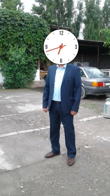 Мужская одежда - Джалал-Абад: Продаю новый кастюм и брюки пару раз одевал. Турецкий хорошего