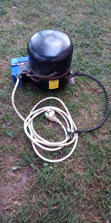 Auto gume - Srbija: Prodajem motor od frizidera, napravio sam kompresor za pumpanje guma