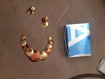 Nakit   Nis: Komplet ogrlica i mindjuse . novo