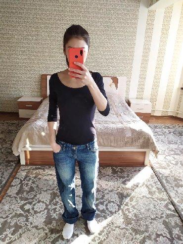 джинсы хорошего качества в Кыргызстан: Джинсы Roberto Cavalli хорошего качества, состояние отличное. Размер