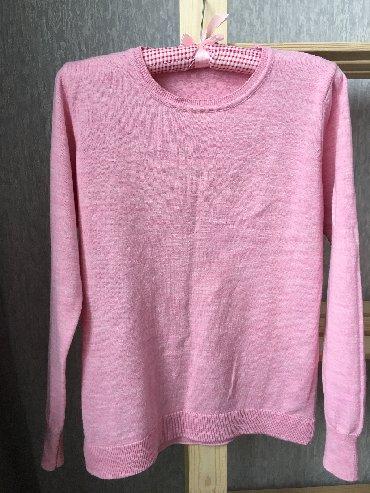 розовый свитерок в Кыргызстан: Очень нежный, тонкий, но тёплый свитерок от фирмы DEFACTO, размер так