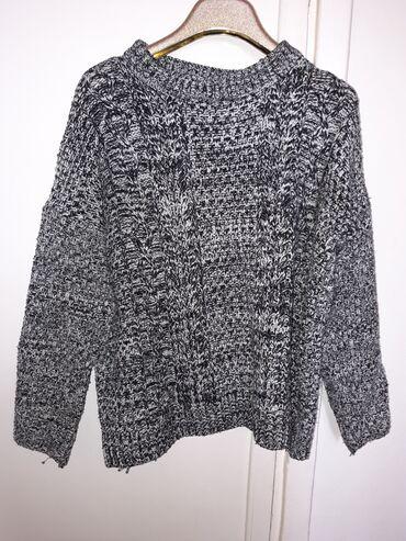 Продам вязаный свитер. Размер стандарт