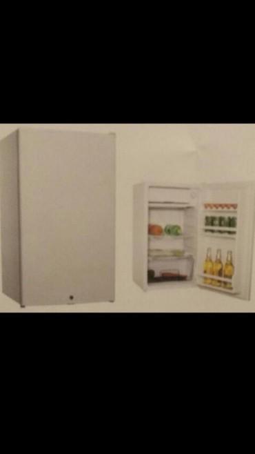 Xırdalan şəhərində Soyuducu Silver ,turk mali ,  82 ×45 ×45 olcu,20 kilo, hecim 90 litr